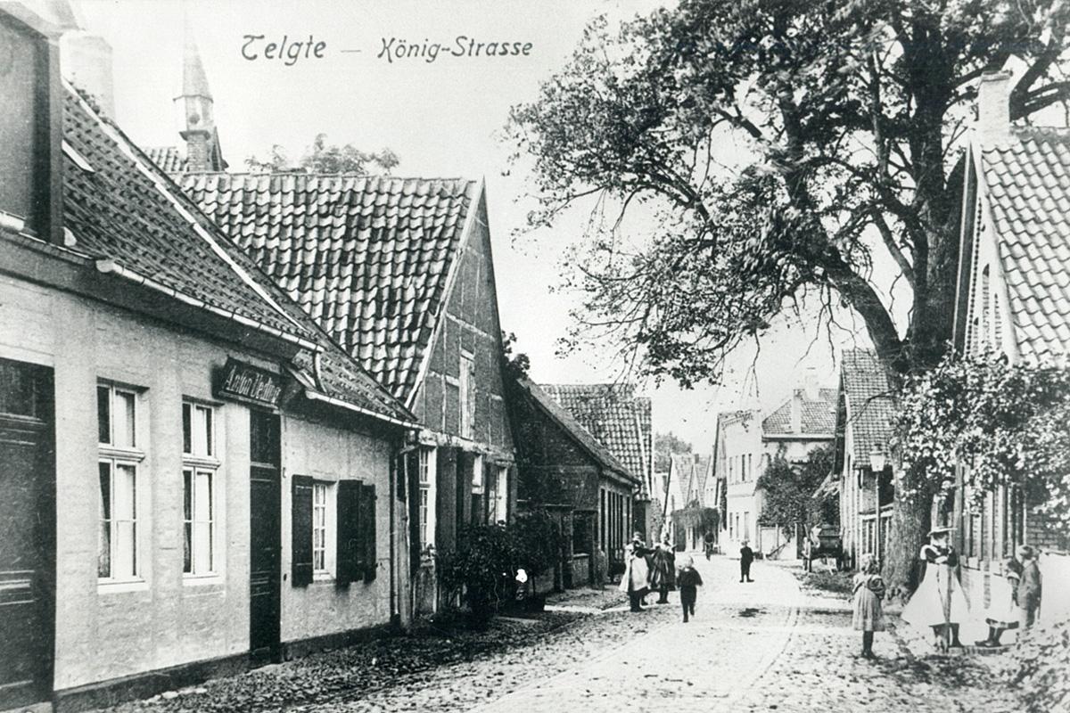 Blick auf den Turm der Synagoge