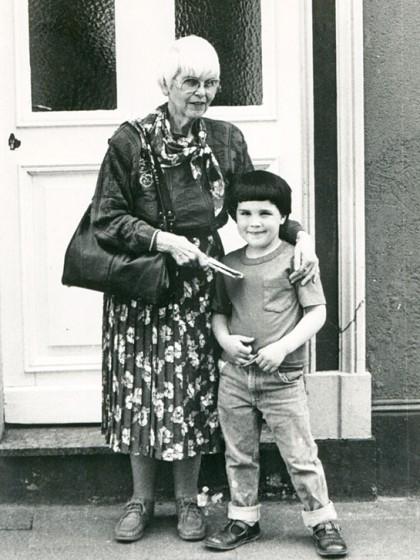1989, Ilse Auerbach