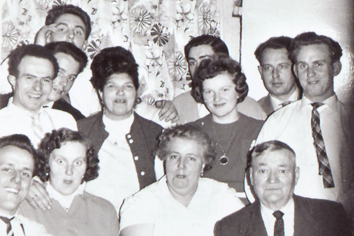 Maria Unger mit Familie Busalski