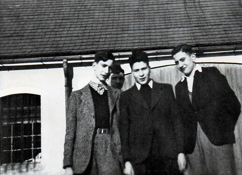 Alfred Auerbach (Mitte) Lager Schneebinchen